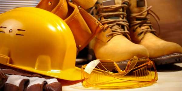 El máster universitario de Prevención de Riesgos Laborales forma a profesionales especializados en la detección de los riesgos en el trabajo y la planificación de acciones preventivas, además de realizar auditorías.