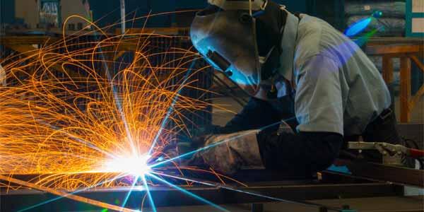 La soldadura es un sector relacionado con la construcción que da mucho empleo.